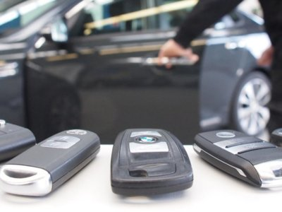 Robar un coche de arranque por botón es tan fácil como montar amplificadores de señal, según el ADAC