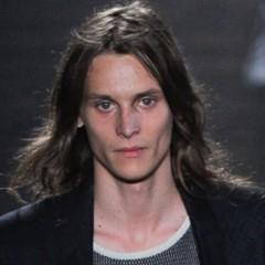 Foto 14 de 20 de la galería cortes-de-pelo-para-la-primavera-2012-los-pienados-de-pasarela-i en Trendencias Hombre