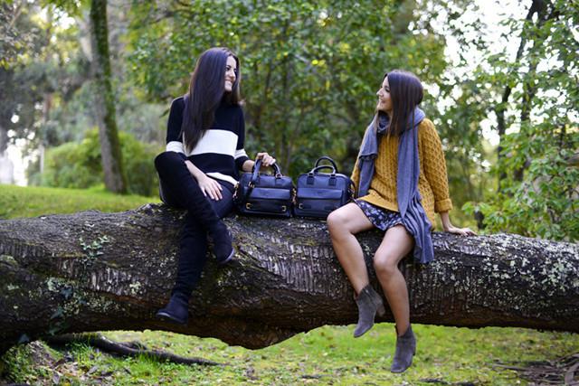 Alexandra de Lovely Pepa y su hermana para Loewe en la campaña Loewe sisters con el bolso Cruz 2