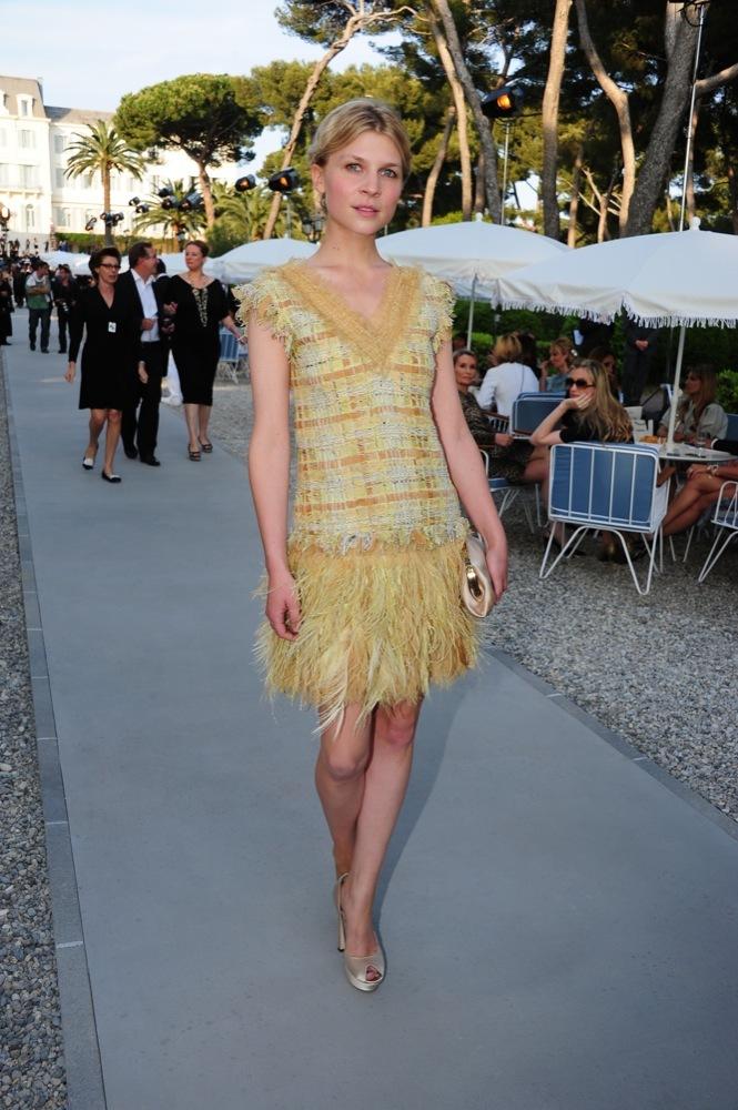 Foto de Las bellezas fieles de Chanel en el front row de la colección Crucero 2012 (21/23)