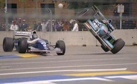 Schumacher Hill contacto Australia 94