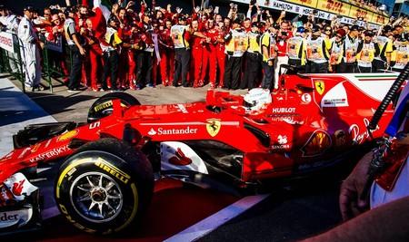 Vettel se queda en Ferrari tres años más