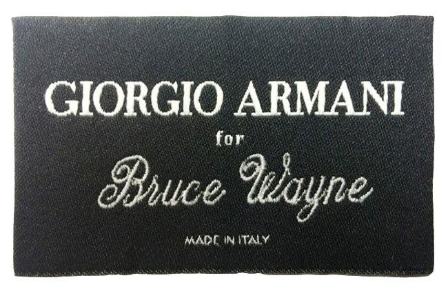 Etiqueta personalizada de los trajes de Giorgio Armani para Bruce Wayne