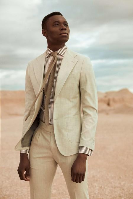 El Triunfo De La Camisa Blanca Impera Sobre Los Tonos Tierra De Lo Nuevo De Puroego 01
