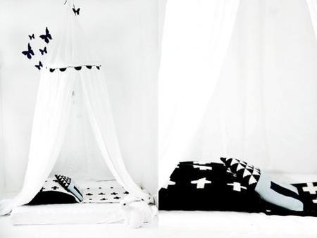 Cruces en blanco y negro