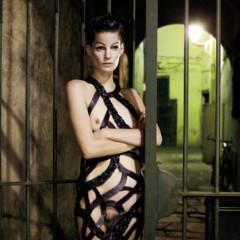 Foto 3 de 8 de la galería barcelona-fomenta-el-desnudo-en-publico-una-verguenza-de-editorial-con-iris-strubegger-desnuda en Trendencias