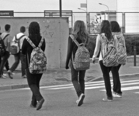 Cómo elegir la mejor mochila para el curso escolar y evitar los dolores de espalda