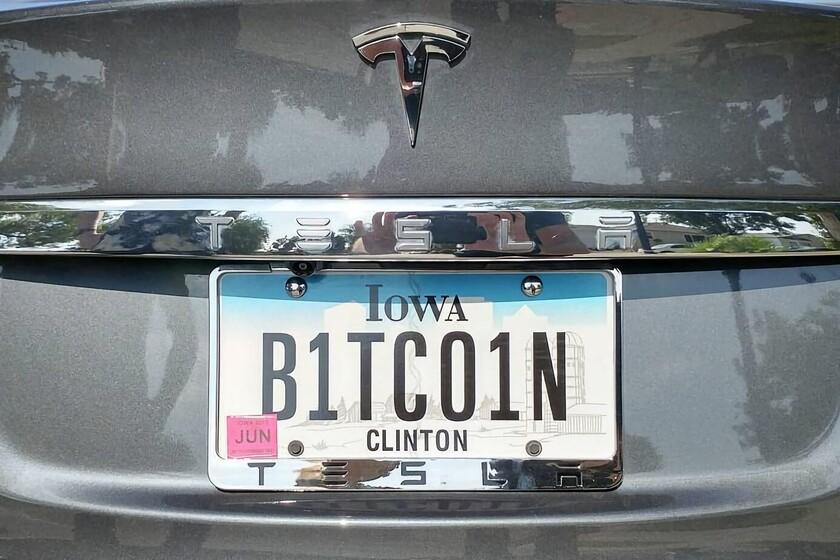 Elon Musk anuncia que Tesla dejará de aceptar Bitcoin como forma de pago de sus coche ante el impacto energético del minado