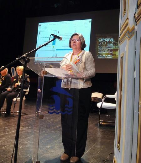 Flor Zapata Ruiz, Madre de Helena, dando una charla sobre concienciación.