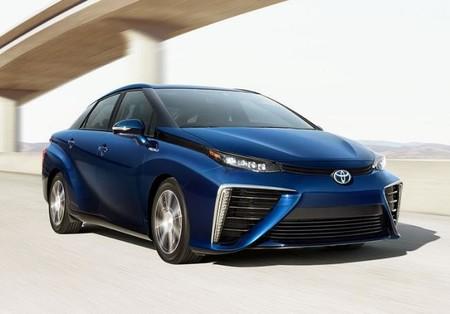 Toyota Mirai, el futuro está aquí gracias al hidrógeno y la pila de combustible
