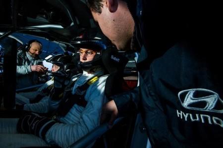 Hyundai sigue puliendo detalles y solucionando problemas en su i20 WRC