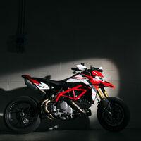 Todas las Ducati Hypermotard 950 ahora serán Euro 5 pero mantienen sus 114 CV y renuevan la decoración de la SP