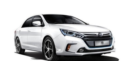 China libra de más impuestos a los coches eléctricos enchufables