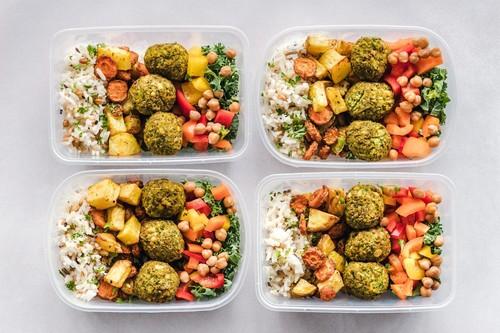 La promesa de la nueva generación de apps de comida a domicilio: comer mucho más barato que en el restaurante