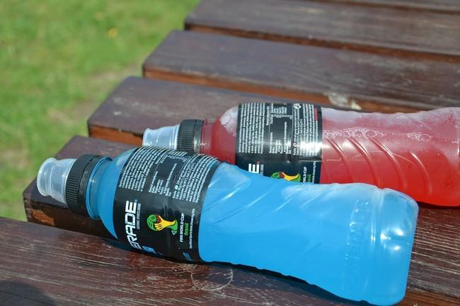 Si no eres un deportista de élite, las bebidas deportivas probablemente no sean para ti