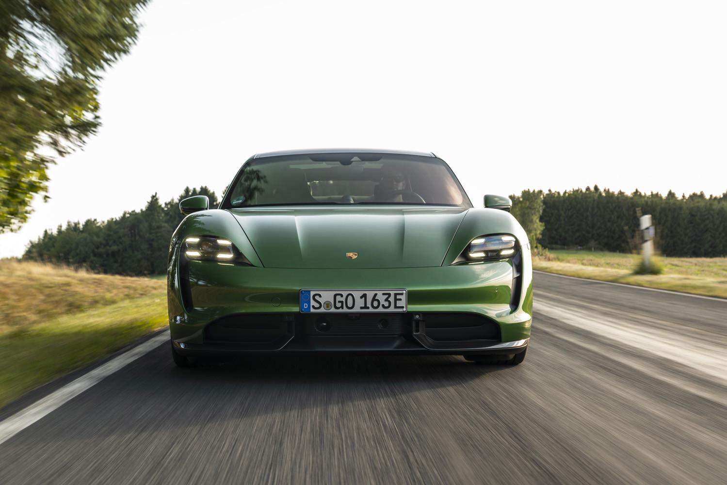Foto de Porsche Taycan prueba contacto (240/275)