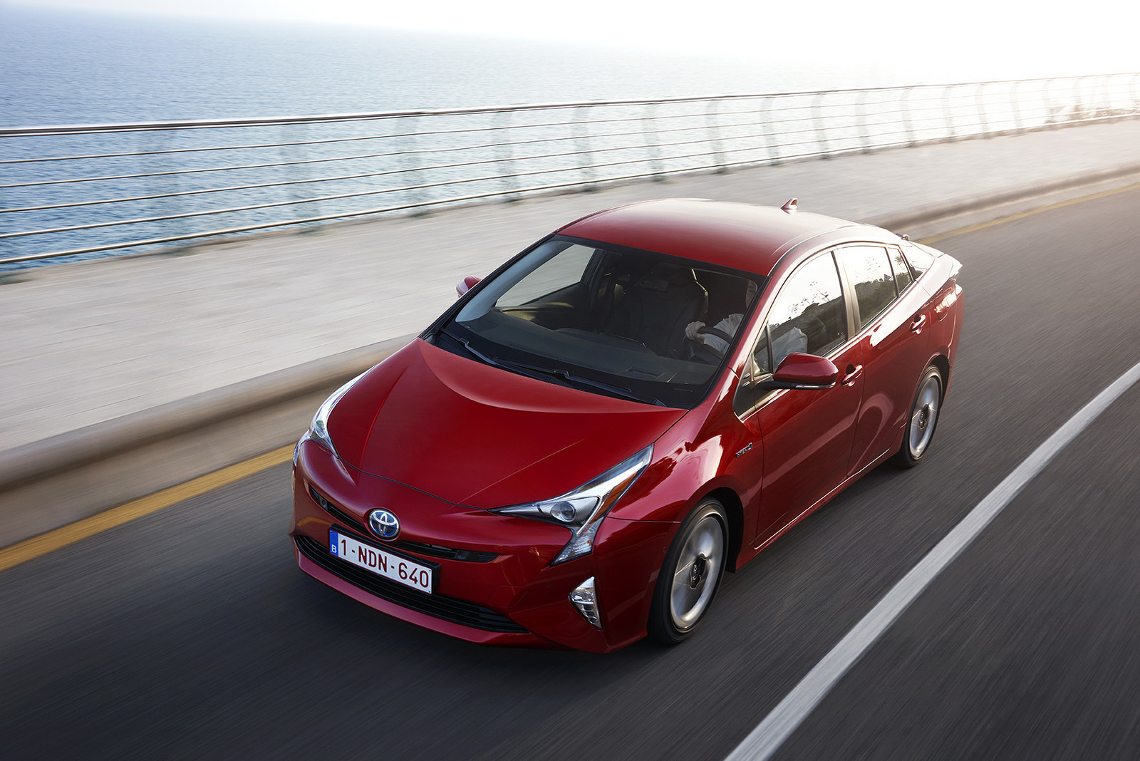 Foto de Toyota Prius 2016 (17/90)