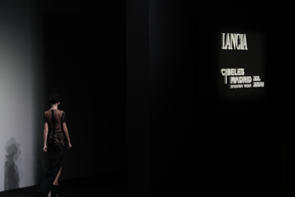 Foto de Jesús del Pozo en la Cibeles Fashion Week Otoño-Invierno 2011/2012 (33/71)