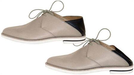 Un zapato-babucha de Veronique Branquinho para Camper