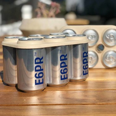 Llega la alternativa biodegradable a los contaminantes anillos de las latas de cerveza