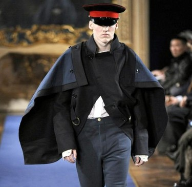 Capas y ponchos, una tendencia abrigada para este Otoño-Invierno 2011/2012