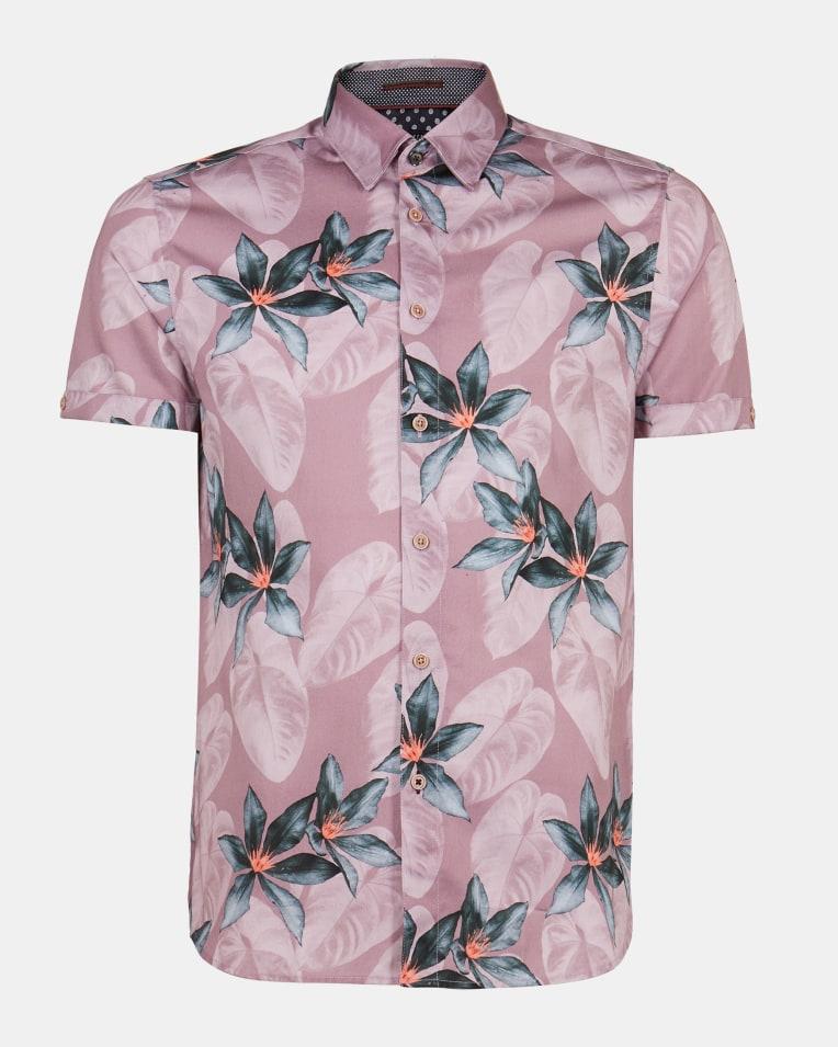 Camisa en manga corta color rosa con estampado floral