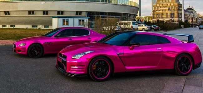 Maserati Quattroporte y Nissan GT-R en rosa