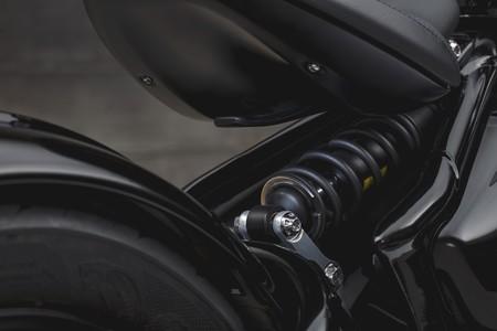 Triumph Bonneville Bobber Black 2018 016