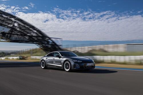 Probamos el Audi RS e-tron GT en circuito y sacamos el máximo partido en pista a este sorprendente coche eléctrico