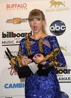 La reina sobre todas las reinas en los BillBoard 2013... se llama Taylor Swift