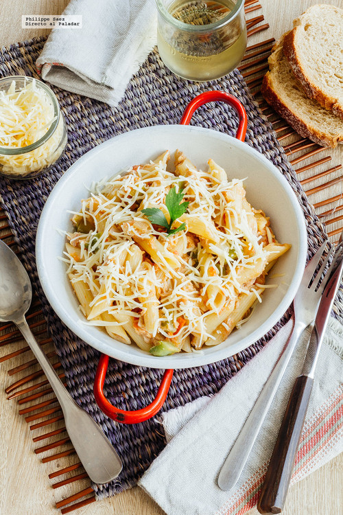 Pastas con atún y verduras. Receta fácil