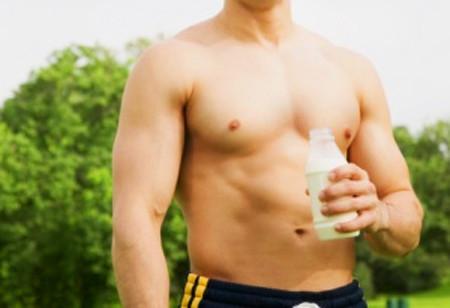 Beber leche para recuperar después del entrenamiento