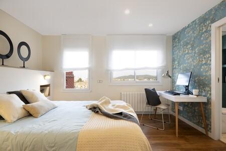 Dormitorio con zona de teletrabajo