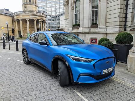 Ford Mustang Mach-E, toma de contacto: la reinvención de una marca icónica es un SUV 100% eléctrico que enamora a primera vista