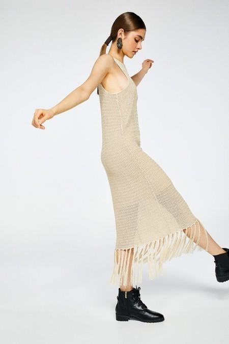 vestido calado flecos