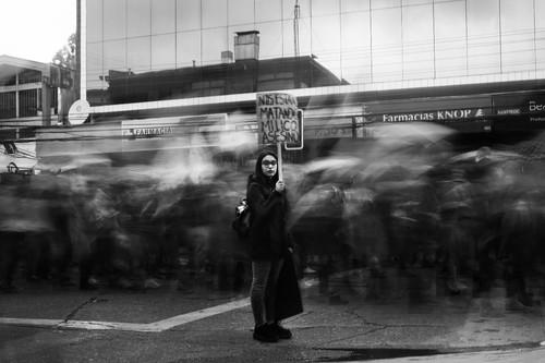 'Wake Up', las protestas en Chile a través de la personalísima mirada de Eduardo Asenjo