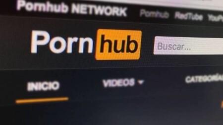 Pornhub pedirá una fotografía y una identificación oficial para que puedas subir videos a la plataforma; la compañía incorporará el uso de biométricos