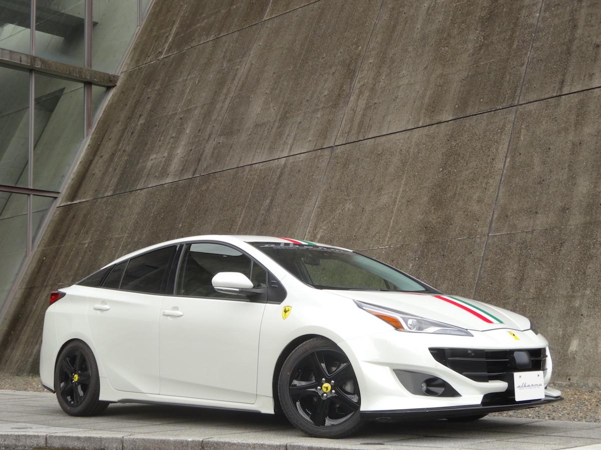 Foto de Toyota Prius convertido a Ferrari FF (18/33)