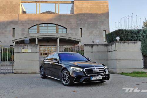 Probamos el Mercedes-Benz Clase S: una berlina de ultralujo que rebosa tecnología, con hasta realidad aumentada en el parabrisas