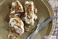 Rollitos de pollo y provolone con salsa de champiñones portobello. Receta