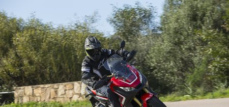 54 caballos de ultra-polivalencia sin embrague, así se mueve la Honda X-ADV