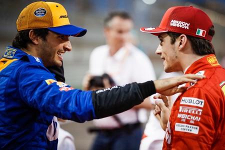 Ferrari ha fichado a Carlos Sainz porque Sebastian Vettel no aceptaría los sacrificios que le pedirán, dicen en Alemania