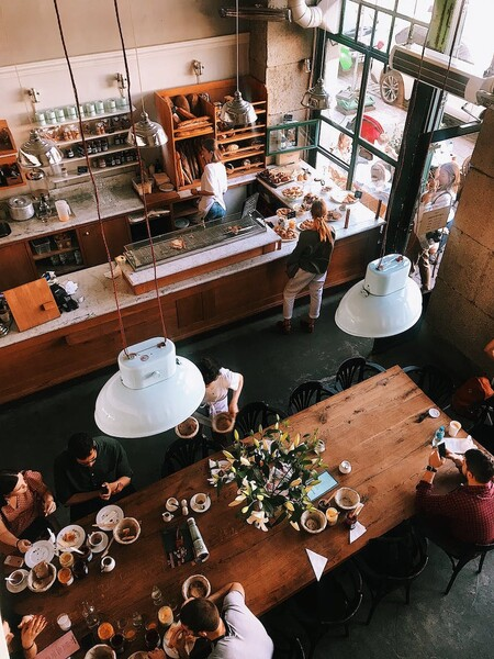 El aire acondicionado es la principal causa de contagios en restaurantes