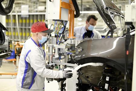 Volkswagen reanuda actividad en sus plantas en Europa
