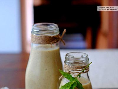Smoothie de kiwi, aguacate y pera. Receta saludable