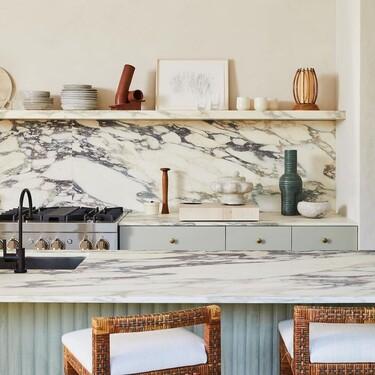 Las cocinas presumen de vetas en sus salpicaderos con los nuevos acabados porcelánicos que imitan mármoles