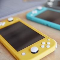 Este vídeo comparativo nos muestra el tamaño de la Nintendo Switch Lite al ponerla frente a otras consolas portátiles