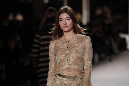 Cinco tendencias beauty que hemos visto en la presentación de  Metiers d'Art de Chanel para copiar estas Navidades y triunfar