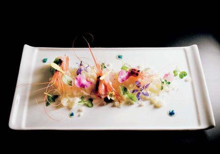 Camarones con velo de albahaca. Armando Saldanha