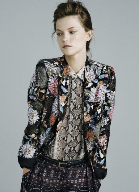 Flores chaqueta Zara lookbook noviembre